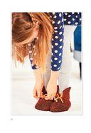 Уютные тапочки, сапожки и носочки для всей семьи. Вяжем из разноцветных квадратов — фото, картинка — 9
